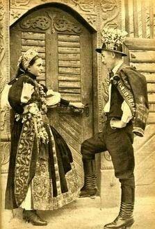 Kalotaszegi Román traditional Hungarian couple