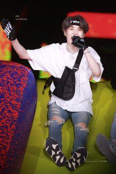 This is a Community where everyone can express their love for the Kpop group BTS Suga Suga, Jimin, Min Yoongi Bts, Bts Bangtan Boy, Daegu, Lil Wayne, Kpop Fanart, Yoonmin, Mixtape