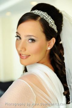 Gorgeous #bride... very beautiful #wedding #MakeUp! #Wedding #portrait by #DominoArts #Photography (www.DominoArts.com)