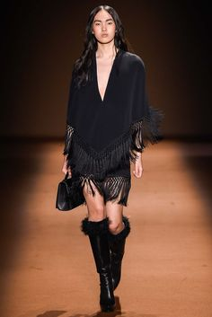Andrew Gn Fall 2015 Ready-to-Wear Collection Photos - Vogue Fashion Details, Love Fashion, Runway Fashion, Fashion Show, Fashion Design, Fashion Trends, Paris Fashion, High Fashion, Fashion 2015