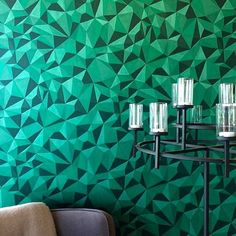#regram @coloramaberga featuring Curio Quartz in Emerald green. #emeraldgreen #criptonite #wallpaper #greenwallpaper #geometricpattern #geometricwallpaper #light #decor #interiordesign #interiordecor #interiors #decor #homedecor #wallcovering #tapet #behang #papierpeint #papeldeparede