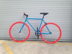 Our Vilano Fixed Gear Bike Urban Single Speed, available in some awesome colors!!  http://www.roadbikeoutlet.com/vilano-fixed-gear-single-speed-urban-fixie-bike-12.html …