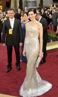 Anne Hathaway in Armani Privé Oscars 2009