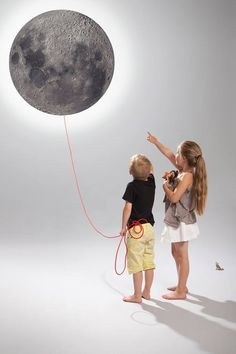 Note Board Wall Lamp by Mia Battilana for Kotonadesign Moon note board by Kotonadesign is a wall lamp, a magnetic memory board and a chalkboard at the same time. Kids Room Wall Art, Boys Room Decor, Modern Wooden House, Kids Room Lighting, Kids Corner, Kidsroom, Children's Place, Stars And Moon, Kids House