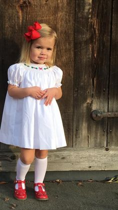 Toddler Girl Style, Toddler Girl Outfits, Kids Outfits, Smocked Baby Dresses, Baby Girl Dresses, Cute Young Girl, Cute Baby Girl, Cute Kids Fashion, Baby Girl Fashion