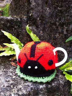 Ravelry: ElizabethLihou's Ladybird Tea Cosy Animal Knitting Patterns, Crochet Patterns, Scarf Patterns, Knitting Projects, Crochet Projects, Knitting Tutorials, Teapot Cover, Knitted Tea Cosies, Tea Blog