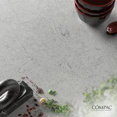 La réinvention de la surface ! Compac Obsidiana Volcano Pearl se démarque par sa variété de formes, d'épaisseurs, de textures et de finitions, jouant un rôle différenciateur dans le monde des surfaces. Produit fabriqué au Portugal, étanche, avec 90 à 100% de matière première recyclée, distribué et commercialisé par Granitrans. #obsidianavolcanopearl #moderne #design #polyvalence #impermeabilite #qualite #decoration #interieur #decorationinterieure #fabriqueauportugal #compac #granitrans
