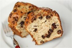 Soft & Yummy Banana Chocolate Chip Loaf - like Starbucks'?! (posted by thenaptimechef on the family kitchen - http://blogs.babble.com/family-kitchen/2011/01/13/soft-yummy-banana-chocolate-chip-loaf/)