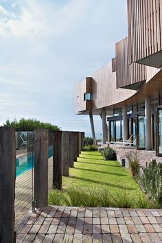 Architecture:Woodworking Accent Design To Create Awesome House In Modern Style With Neat Garden Design A Modern House in Australia that Open. Glass Pool Fencing, Glass Fence, Pool Fence, Brick Paving, Brick Fence, Outdoor Walls, Outdoor Spaces, Outdoor Living, Outdoor Ideas