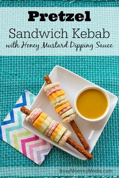 Pretzel Sandwich Kebabs with Honey Mustard Dipping Sauce AD | This healthy lunch idea from BusyMommyMedia.com makes such a fun school lunch!