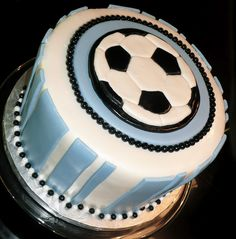 Soccer cake Soccer Birthday Parties, Soccer Party, Birthday Fun, Soccer Cakes, Sport Cakes, Hawaiian Cakes, Cupcake Cookies, Cupcakes, Cake Boss