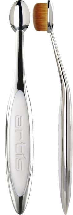 """OVAL 4: With an overall """"footprint"""" of fibres sized to facilitate application to a particular portion of the eyelid, the Oval 4 also makes a great beauty tool for applying concealer (both under and around the eyes) and placing highlighter on the brow bone. Artis brushes are made exclusively with CosmeFibre, a revolutionary engineered fibre made for applying cosmetic and makeup products."""