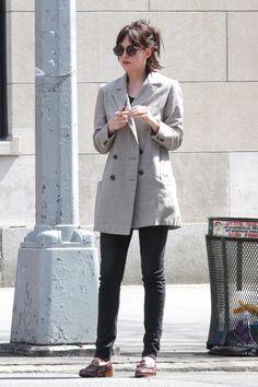 Breaking Hair News: Dakota Johnson Debuts Cropped New Hairdo