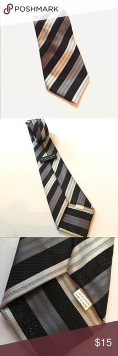 """George Martin Men's Black Grey Neck Tie * Category: Men  * Condition: Pre-owned, great condition * Brand: George Martin Collection * Measurements: 61.5"""" full length of tie, 1"""" wide on the most narrow part, 3.5"""" wide on the widest part * Made in: China * Size: One Size * Material: 100% Polyester  * Color: black, dark grey, light grey, with silver Speckled accents * Style: Neck tie George Martin Accessories Ties"""
