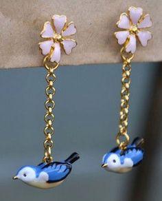 ✨ We only have 1 pair of these darling #Hedgerow Drop earrings left for just £26 too! ✨ #BillSkinner #Vintage #BlueBird #Enamel