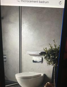 Microputs över kaklet på väggarna i badrummet?