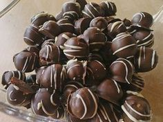 Gingerbread Chocolates by julisan Sweets Recipes, Snack Recipes, Summer Recipes, Holiday Recipes, Chocolates, Xmas Food, Dried Beans, Vegetable Drinks, Cookies Et Biscuits