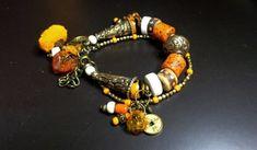 Bracelet ethnique Asie / Tibet , bracelet perles népalaises, céramique, ambre, conque, os, perles verre, bracelet bronze et orange, cadeau. Tibet, Ambre, Artisanal, Creations, Beaded Bracelets, Bronze, Charmed, Jewelry, Conch