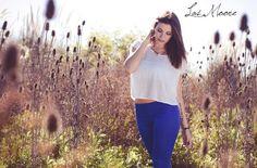 Remera Hope blanca Calzas azules con lurex  by Las Moore