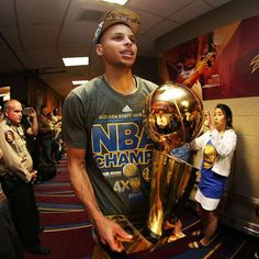 Golden State Warriors, Wardell Stephen Curry, Nba Championships, World Of Sports, Beautiful Moments, Champs, Captain America, Superhero, Guys