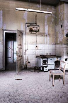 abandoned kitchen by ZerberuZ