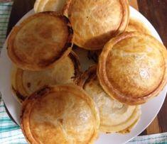 Apple and Rhubarb pie with Mistral pie maker Mini Pie Recipes, Fruit Recipes, Apple Recipes, Baking Recipes, Baking Pies, Dessert Recipes, Apple Rhubarb Pie, Apple Pies, Sunbeam Pie Maker