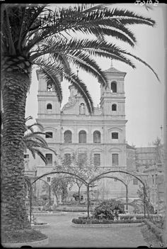 Santo Domingo church is impresive. Would it be possible to upload more pictures of others churches in the city that were taken around 1930 by photographer Antonio Passaporte Murcia: Business Center Metropolis Empire - Page 352