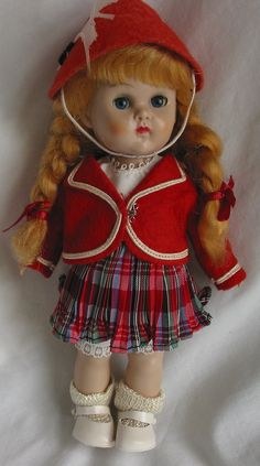 Vogue Ginny Doll   -   Straight Leg Walker w/tagged outfit
