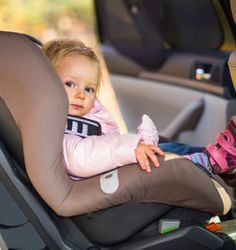 Travel tips for traveling with young kids. Keep them safe and happy (and keep your own stress down! Taxi, Siege Bebe, Orbit Baby, Thing 1, Safety Tips, Holiday Festival, Family Dogs, Travel With Kids, Baby Items