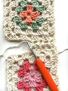 Crochet baby rug in grandmother squares - susanne gustafso . : Crochet baby rug in grandmother squares – susanne-gustafsso … Crochet Ripple Blanket, Granny Square Crochet Pattern, Crochet Squares, Crochet Blanket Patterns, Crochet Granny, Crochet Motif, Easy Crochet, Granny Squares, Crochet Baby