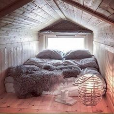 compact living If I'll ever have a house with an attic, it will be my room and it will look like this. I will most likely not get out of the house. Attic Bedroom Small, Attic Bedrooms, Cozy Bedroom, Attic Spaces, Small Spaces, Bedroom Decor, Attic Loft, Attic Bathroom, Attic Office