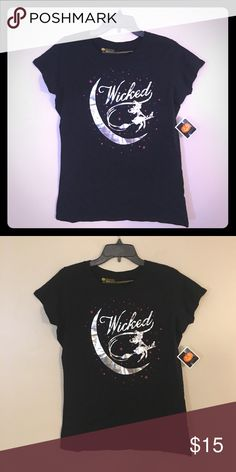 Women's Black Wicked Witch T Shirt Moon Cat Top M NWT- Smoke free. Cute !! Tops Tees - Short Sleeve