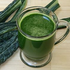 Kimberly Snyder's Green Smoothie Recipe For Weight Loss Healthy Drinks, Healthy Fit, Detox Drinks, Healthy Eating, Healthy Recipes, Delicious Recipes, Easy Recipes, Healthy Foods, Low Sugar Juice Recipe