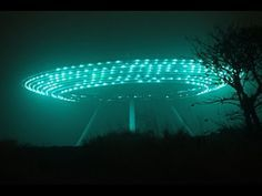 Best UFO Sightings Of 2015 Unprecedented And Exited Moment NEW! - YouTube Alien Sightings, Ufo Sighting, Unexplained Mysteries, Ancient Mysteries, Ufos Are Real, Alien Abduction, Aliens And Ufos, Alien Worlds, Alien Creatures