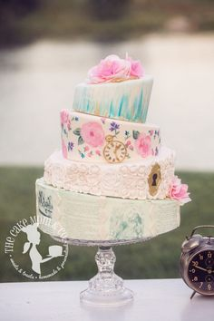 Alice in Wonderland topsy turvy cake by The Cake Mom & Co.