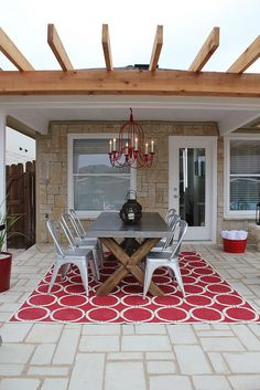 Really love this outdoor table and chairs