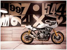 Yamaha XJR1300 'Eau Rouge' by Deus Ex Machina