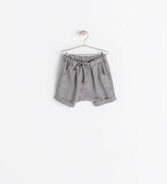 Image 1 of SHORTS WITH POCKETS from Zara