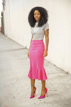 Precious Pink skirt with Tee- Perfect flirty casual outfit! you are looking so lovely today my perrty Skirt Outfits, Dress Skirt, Midi Skirt, Dress Up, Cute Outfits, Trumpet Skirt Outfit, Modest Fashion, Fashion Outfits, Womens Fashion