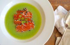 Koude komkommersoep met zalm sashimi