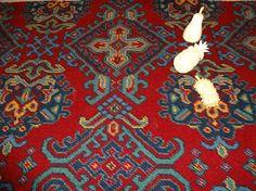 Moquette de laine tissée à dessin traditionnel de style Haussmannien - Second Empire - Harmonie rouge en 3.66cm de large