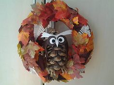 uDanky / Jesenný veniec na dvere Wreaths, Halloween, Home Decor, Decoration Home, Door Wreaths, Room Decor, Deco Mesh Wreaths, Home Interior Design, Floral Arrangements