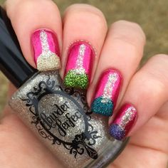 Textured Christmas Bauble Mani | Polish and Paws | Christmas Holiday Nails | Powder Perfect The Stars Are Brightly Shining, Elation and Decorate A Palm Tree | Barry M Lady | China Glaze Santa Red My List | Australis Midnight Fireworks and Masquerade