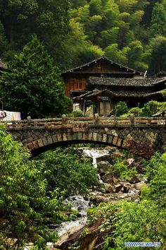 Yong'an Bridge in Linkeng Village of Yongjia County in Wenzhou, east China's Zhejiang Province
