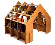 O papelão geralmente protege os móveis para entrega, mas se ele fizesse parte da decoração da casa? O trabalho é bem complexo e a gramatura do papelão é uma das coisas mais importantes para dar certo