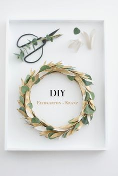 DIY: upcycled egg carton wreath