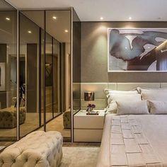 Quarto do casal!! #design #interiores #espelhobronze #ambientes #cabeceira #quartodocasal #iluminação #tendência #instadecor #interiordesign #designdeinteriores #luminária #roupeiro #decor #homedesign