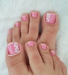 30 nail beauty that you can try this year 002 Pedicure Designs, Manicure E Pedicure, Toe Nail Designs, Pedicures, Toe Nail Color, Toe Nail Art, Nail Colors, Pretty Toe Nails, Cute Toe Nails