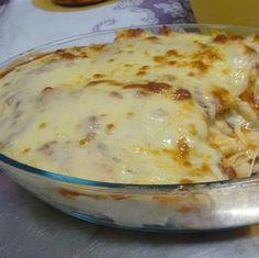 O Macarrão de Forno Diferente é coberto por um creme de batatas, calabresa e queijo, por isso não tem como não ficar delicioso. Faça e confira! Veja Também
