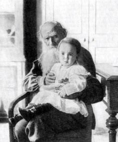Leo Tolstoy (1828 – 1910) with his granddaughter Tatiana (1905 – 1996) in the Yasnaya Polyana Estate. Photo by Sophia Tolstaya. 1907. #Leo_Tolstoy